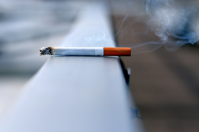 RISKS OF SMOKING AND VAPING BEFORE & AFTER PLASTIC SURGERY